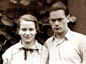 Mutter Gisela 19 - Vater Hermann 24